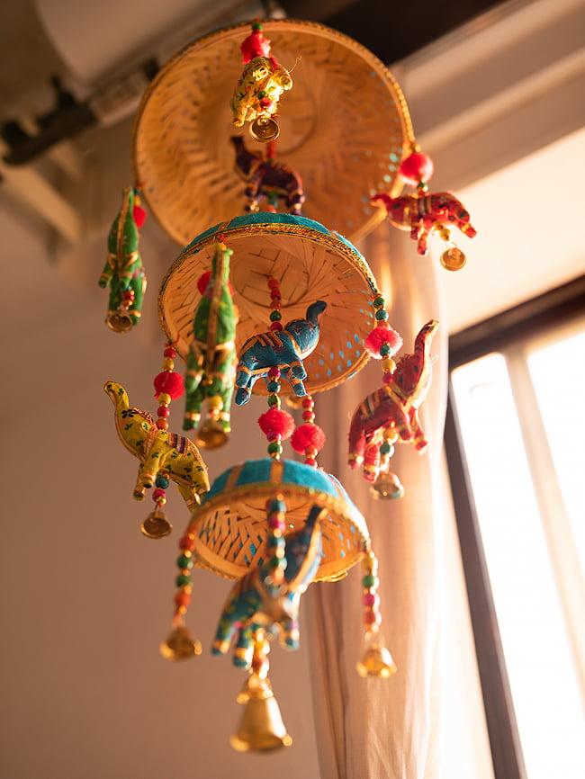 ゾウのハンギング3連-23cm 水色の写真6 - 傘の上の部分はこんな感じで雰囲気のあるビーズです。