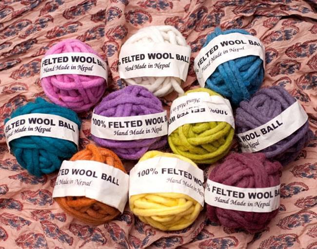 フェルトウールボール - イエローグリーン 7 - さまざまなお色をご用意しております。