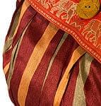 サリーボーダーの肩掛けバッグ - 赤ストライプ