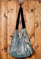 オールドシルクサリーのジッパー付き肩掛けバッグ - 緑系