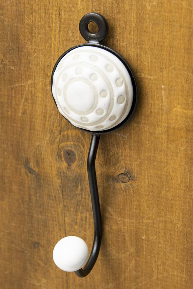 アジアンデザインの壁掛けフック ラウンド - ラウンドホワイトの写真