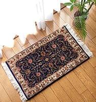 手織りのインド絨毯【60cm x 38c
