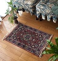 手織りのインド絨毯【68cm x 46c