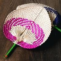 ベトナムの竹製 手作り リーフ型うちわ - 小