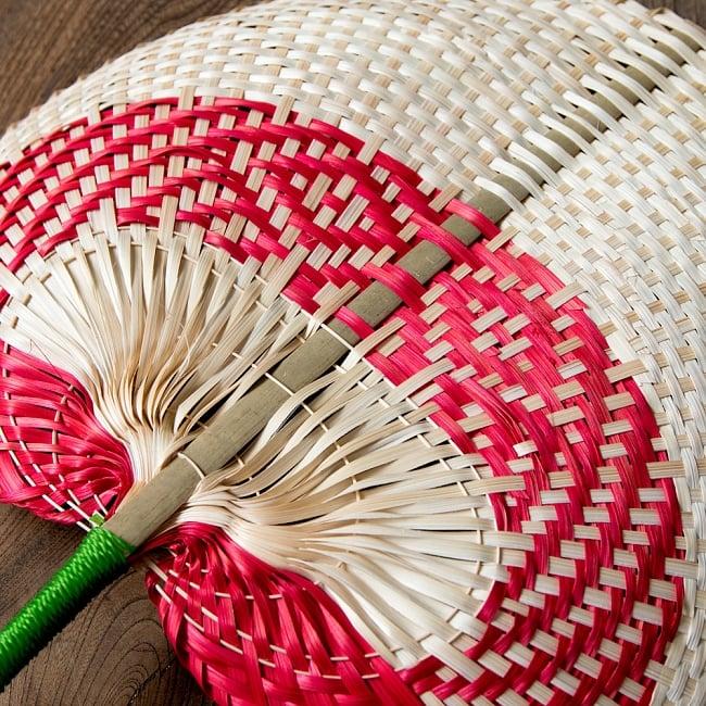 ベトナムの竹製 手作り リーフ型うちわ - 大 4 - 拡大写真です