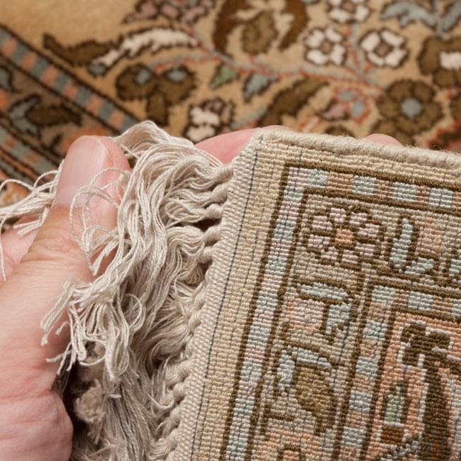 手織り&草木染めカシミール絨毯[シルク100% 1平方インチ484ノット] 5 - 裏面と端っこです