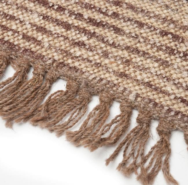 インドのラグ ジュート・ダリー - メダリオン 【約180cm×約120cm】の写真5 - アップにしてみました。ひとつひとつ丁寧に織られています。