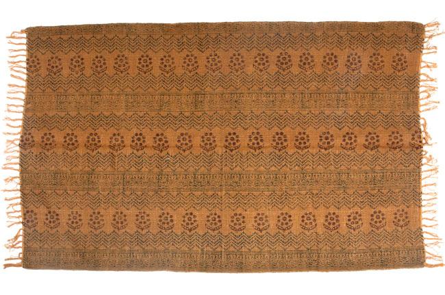 インドのラグ ジュート・ダリー - 伝統模様 【約180cm×約120cm】の写真9 - 平置きにして撮影しました