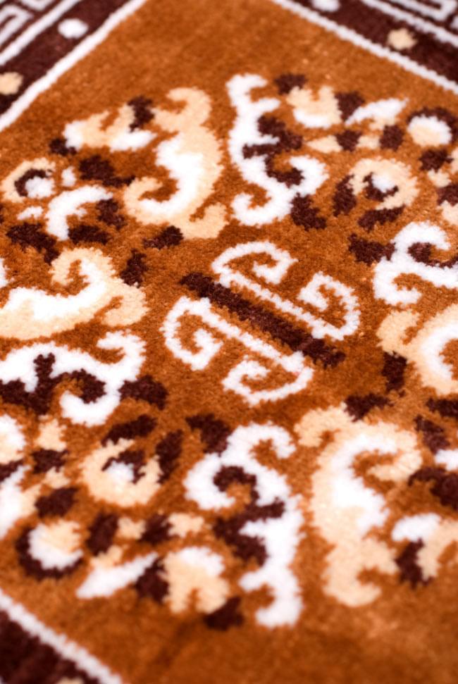 インドのエスニック絨毯 ミニ【約48cm×約50cm】 黄土の写真4 - 角度を変えてみてみました。