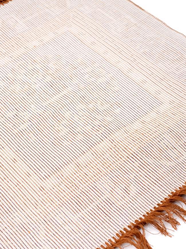 インドのエスニック絨毯 ミニ【約48cm×約50cm】 黄土の写真8 - 裏面はこんな感じです。
