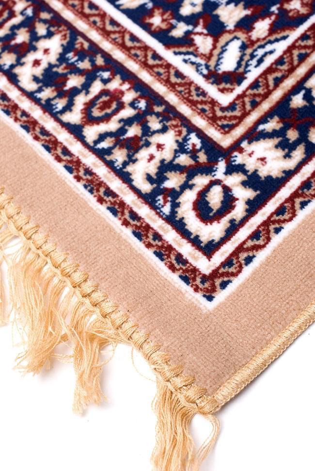 インドのエスニック絨毯 ロング【約110cm×約68cm】 ベージュの写真5 - 縁の部分はこんな感じです。