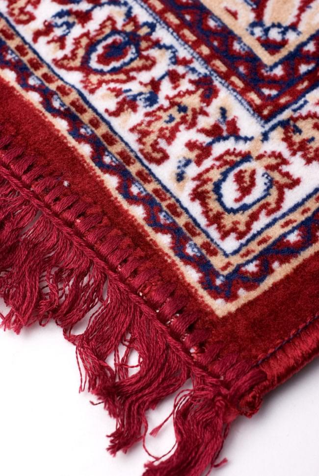 インドのエスニック絨毯 ロング【約110cm×約68cm】 赤の写真5 - 縁の部分はこんな感じです。