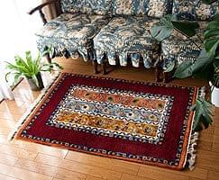手織りのインド絨毯【約120cm x