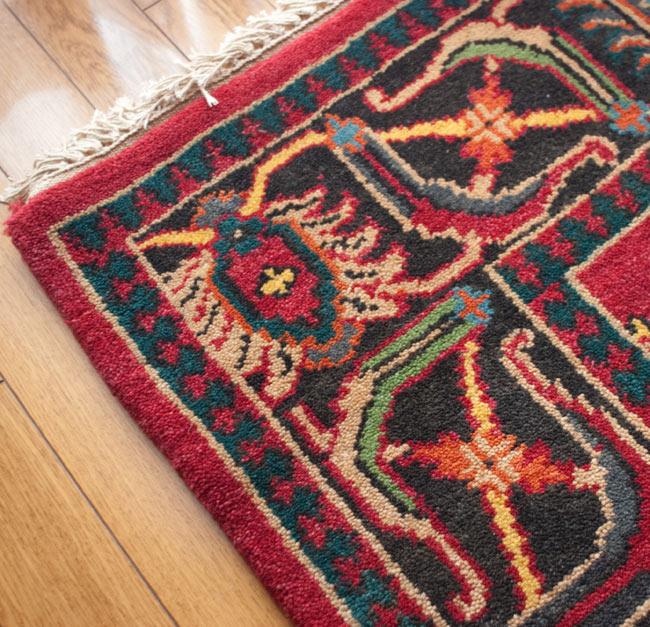 手織りのインド絨毯【約240cm x 約166cm】の写真7 - フリンジと端っこの部分を撮影しました