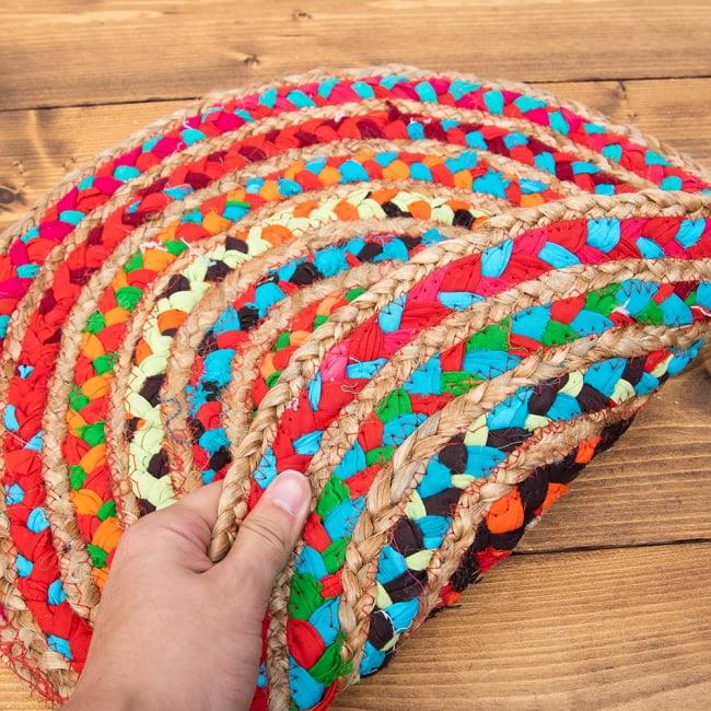 コットンとジュートのカラフル手編みラグ ラウンドタイプ【直径40cm】 5 - 裏も同じ柄です。片面が傷んできたらひっくり返して使えます。