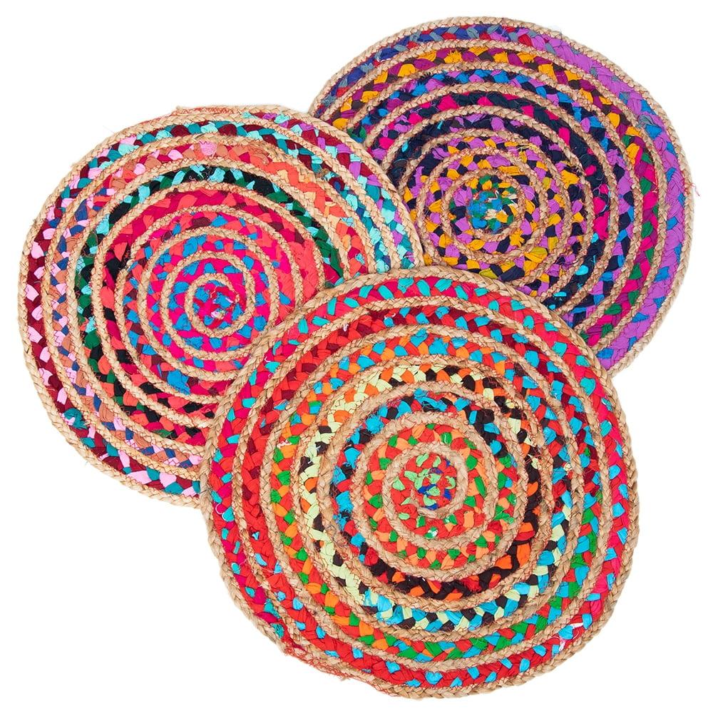 コットンとジュートのカラフル手編みラグ ラウンドタイプ【直径40cm】 8 - 職人がひとつひとつ手作りしているため色はアソートでのお届けとなります。一期一会の出会いをお楽しみください。