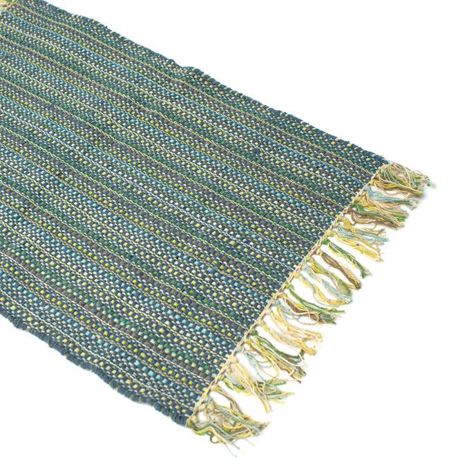 インドコットンの手織りラグマット【約65cm×約42cm】 - 灰色の写真2 - ラグのフリンジ部分を大きく撮影しました