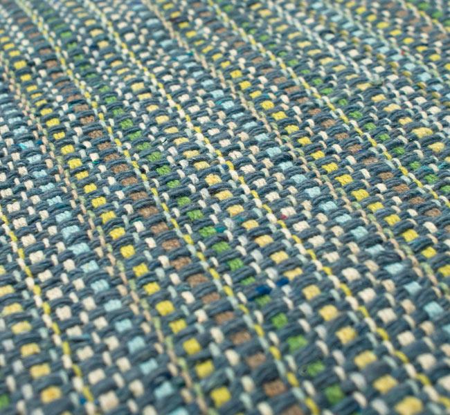 インドコットンの手織りラグマット【約65cm×約42cm】 - 灰色の写真4 - ラグの表面を撮影しました