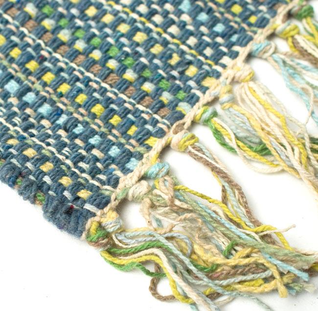 インドコットンの手織りラグマット【約65cm×約42cm】 - 灰色の写真6 - フリンジ部分をもっと大きく撮影しました