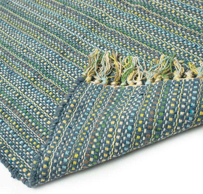 インドコットンの手織りラグマット【約65cm×約42cm】 - 灰色の写真8 - 織って作っているラグですので、裏面は同じデザインです