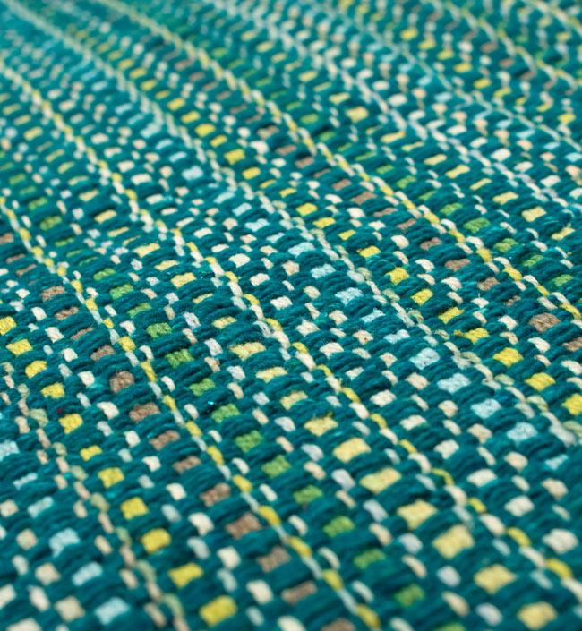 インドコットンの手織りラグマット【約65cm×約42cm】 - ターコイズグリーンの写真3 - フリンジ部分をもっと大きく撮影しました