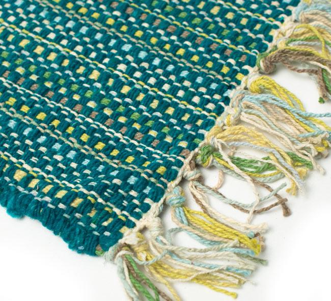 インドコットンの手織りラグマット【約65cm×約42cm】 - ターコイズグリーンの写真5 - ラグの表面を別の角度から撮影しました