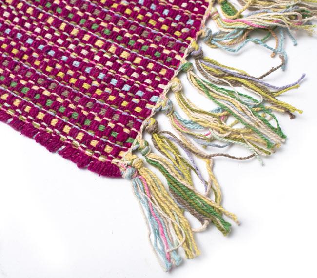 インドコットンの手織りラグマット【約100cm×約60cm】 - 赤紫の写真6 - 端っこの方の拡大です