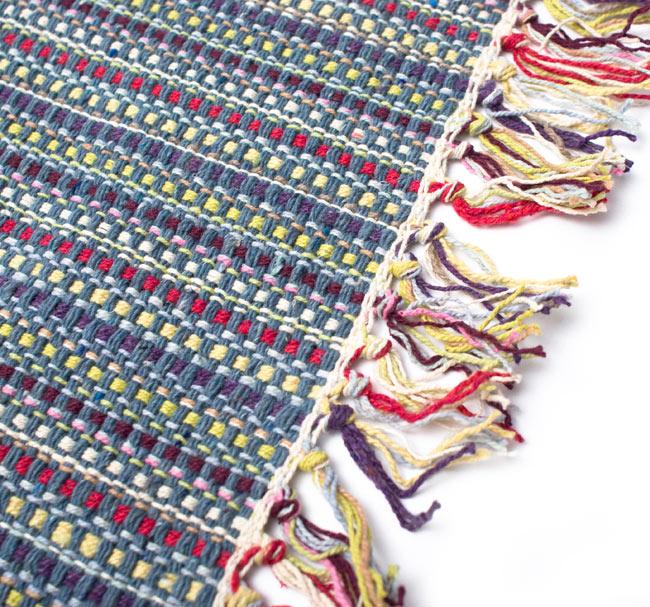 インドコットンの手織りラグマット【約100cm×約60cm】 - 灰色の写真3 - フリンジ部分をもっと大きく撮影しました