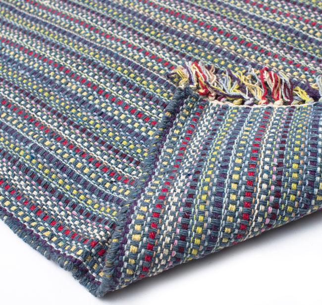 インドコットンの手織りラグマット【約100cm×約60cm】 - 灰色の写真8 - 織って作っているラグですので、裏面は同じデザインです