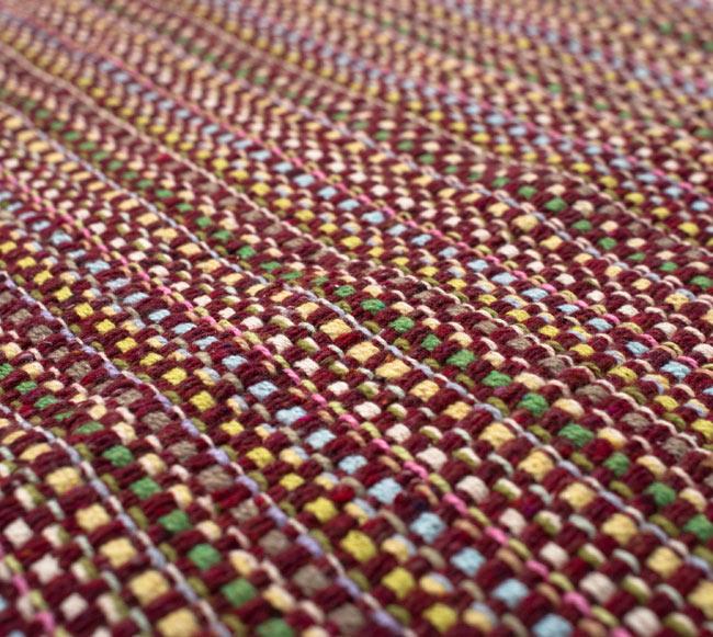 インドコットンの手織りラグマット【約100cm×約60cm】 - 茶色の写真4 - ラグの表面を撮影しました