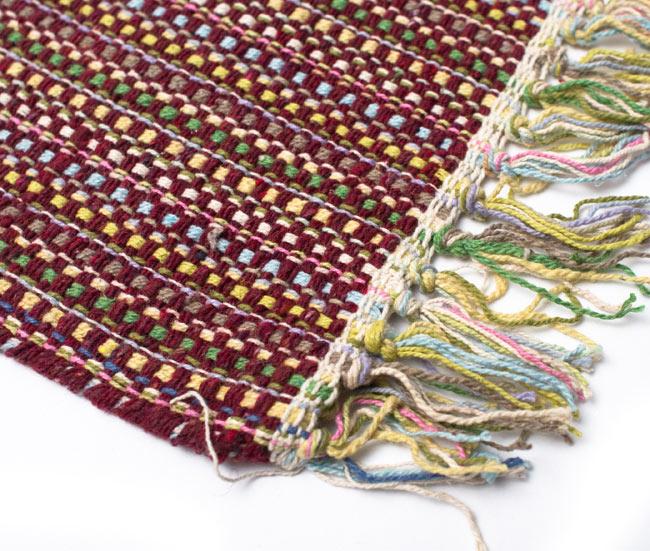 インドコットンの手織りラグマット【約100cm×約60cm】 - 茶色の写真6 - 端っこの方の拡大です
