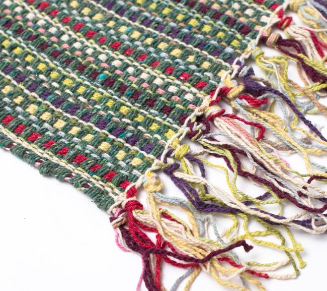 インドコットンの手織りラグマット【約100cm×約60cm】 - 薄緑の写真6 - 端っこの方の拡大です
