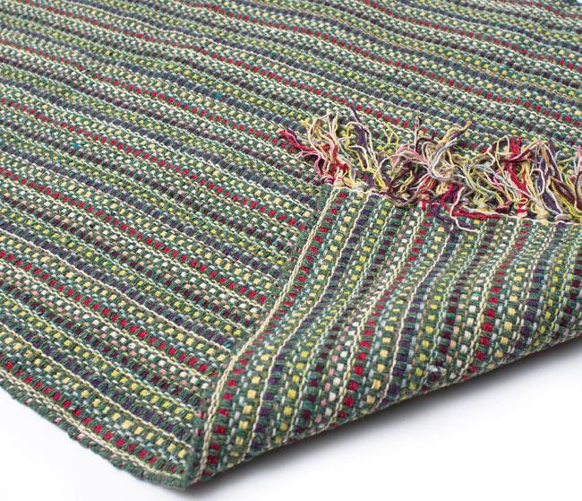 インドコットンの手織りラグマット【約100cm×約60cm】 - 薄緑の写真8 - 織って作っているラグですので、裏面は同じデザインです