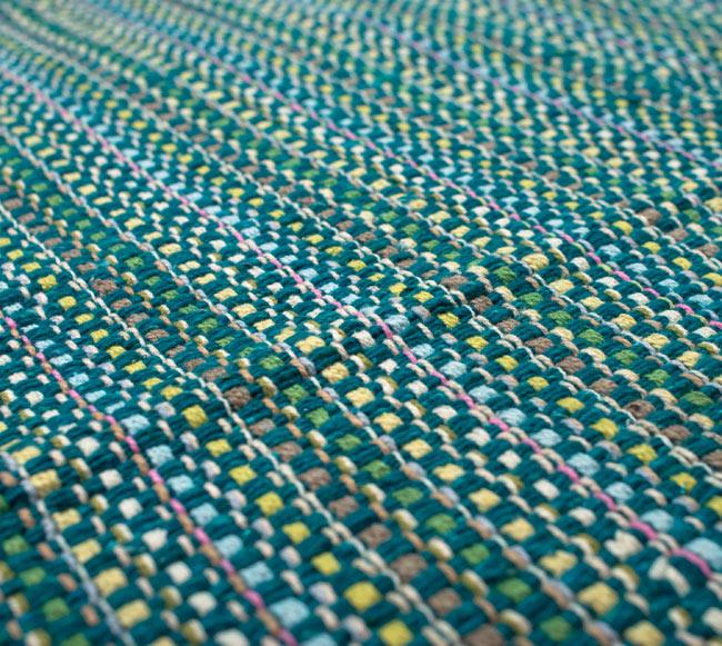 インドコットンの手織りラグマット【約100cm×約60cm】 - ターコイズグリーン の写真4 - ラグの表面を撮影しました