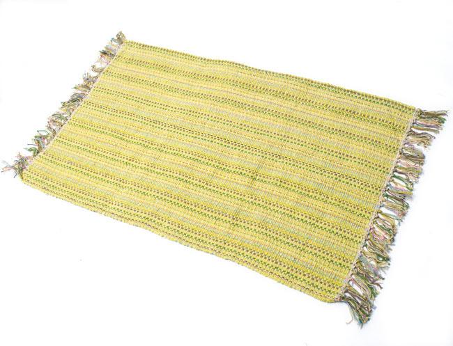 インドコットンの手織りラグマット【約100cm×約60cm】 - 淡黄色の写真
