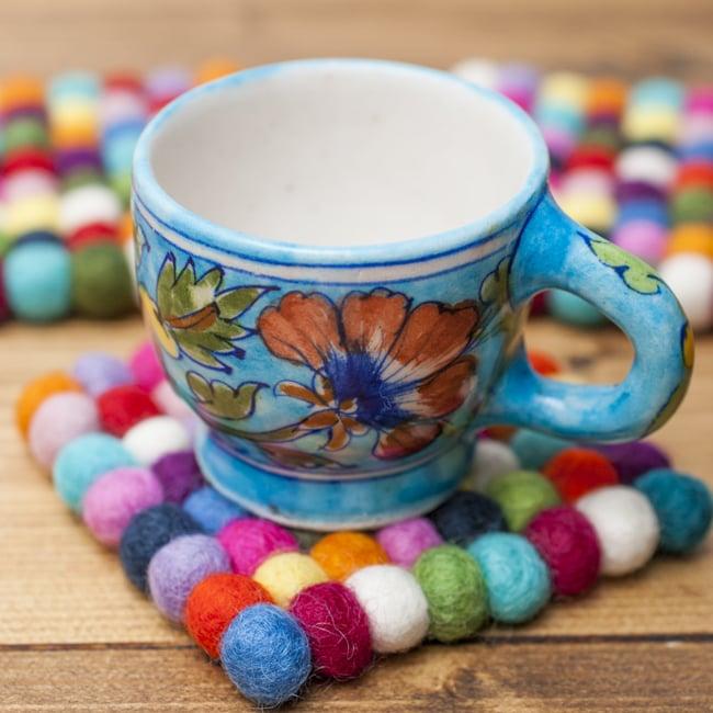 まんまるフェルトマットミニミニ しかく(小)の写真4 - コーヒーカップと一緒に。