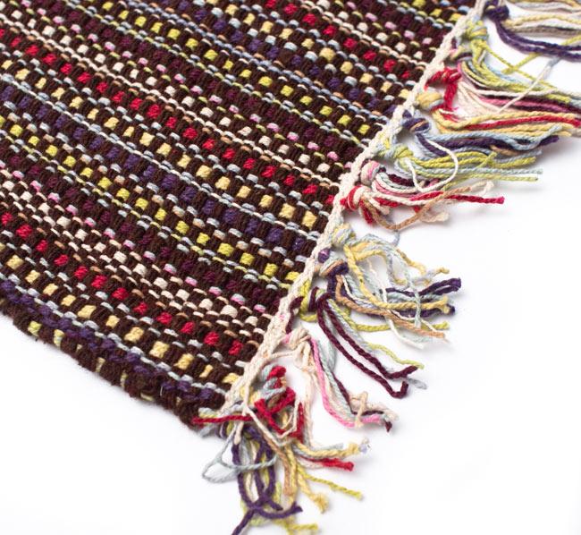 インドコットンの手織りラグマット【約100cm×約60cm】 - 濃茶色の写真6 - 端っこの方の拡大です