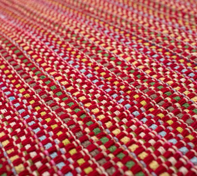 インドコットンの手織りラグマット【約100cm×約60cm】 - 赤の写真4 - ラグの表面を撮影しました