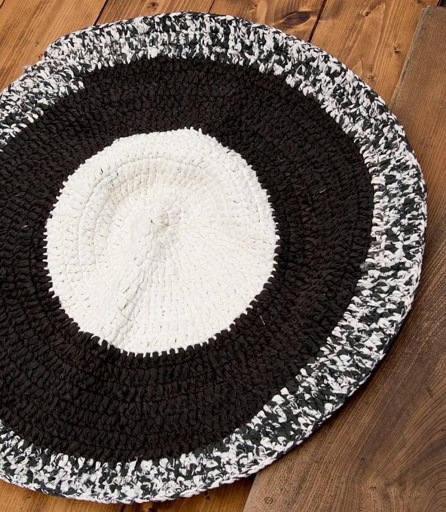 インドのコットン手織りラグマット まる型【中心が白】 9 - 選択C