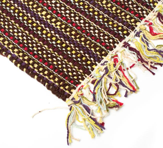 インドコットンの手織りラグマット【約65cm×約42cm】 - 濃茶色の写真6 - フリンジ部分をもっと大きく撮影しました