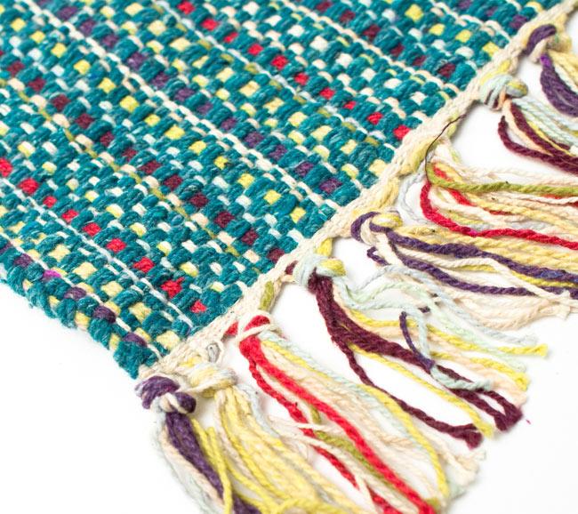 インドコットンの手織りラグマット【約65cm×約42cm】 - ピーコックブルーの写真6 - フリンジ部分をもっと大きく撮影しました