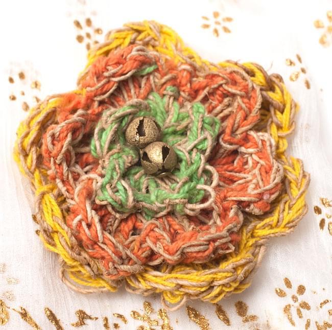 ヒマラヤヘンプのブローチの写真