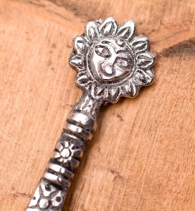 アジアン金属のかんざし【太陽】 2 - 部分拡大してみました。可愛いデザインです。