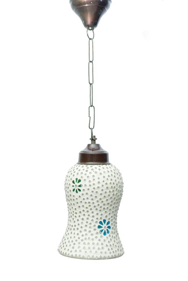吊り下げモザイクランプ - 鐘形 (直径:約12cm)の写真4 - 明るいところで見てみました。点灯していなくても可愛いです。