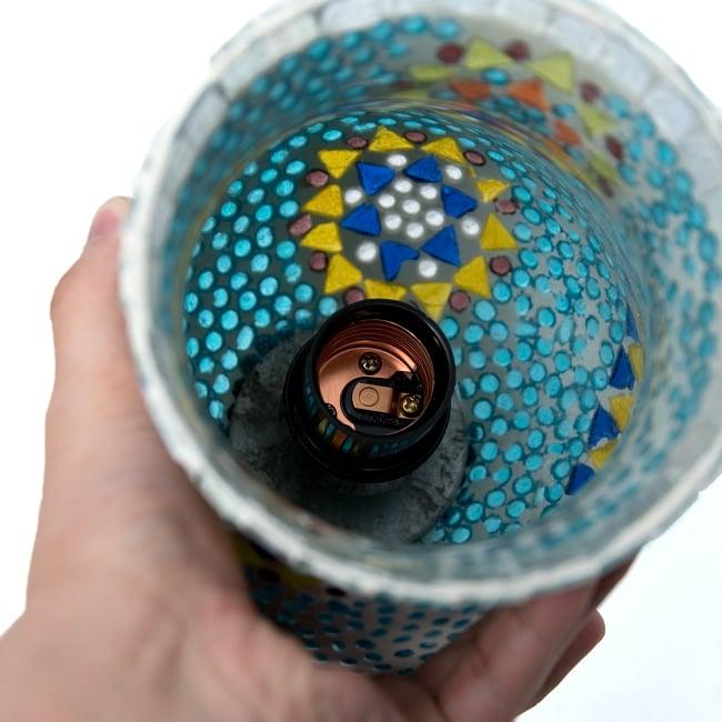 吊り下げモザイクランプ - 長丸型(直径:約10.5cm) 10 - 取り付け完成時はこうなります。組み立てづらい・・・とのお声を受けて比較的組み立てやすいコート付きソケットに変更しております。(写真は商品例です。)