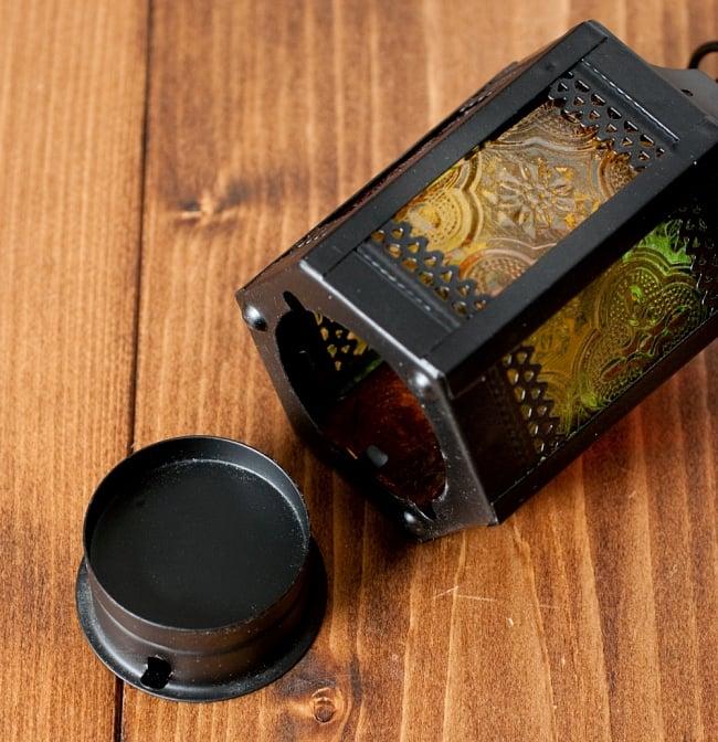 【11.5cm】スタンド型LEDキャンドルランタン【ロウソク風LEDキャンドル付き】の写真6 - 底面を回すと外れるように作られています