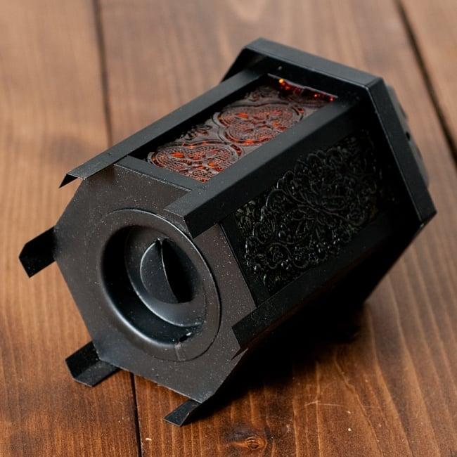 【16cm】スタンド型LEDキャンドルランタン【ロウソク風LEDキャンドル付き】の写真4 - 底面を回すと外れるように作られています