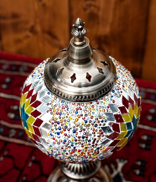 モザイクガラスのアラビアンランプ - 床置 3 - 上からの写真です