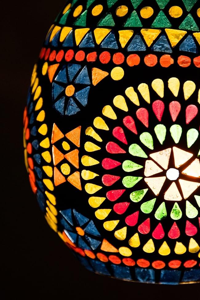 吊り下げモザイクランプ 直径15cm 2 - 明かりをつけてみました。幻想的でかわいいランプです。