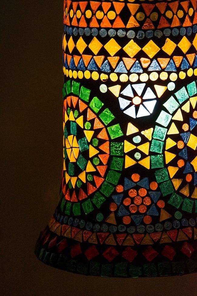 吊り下げモザイクランプ 直径17cm 2 - 明かりをつけてみました。幻想的でかわいいランプです。